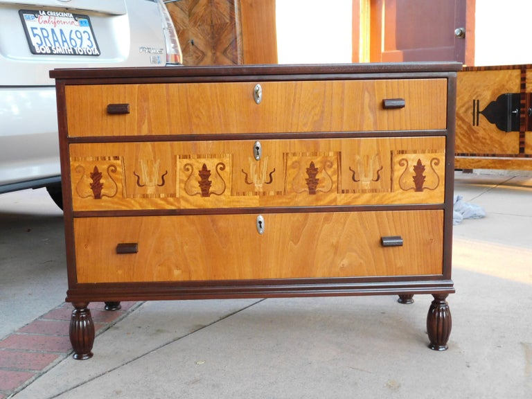 Mid-20th Century Swedish Art Deco Inlaid Chest of Drawers in Elm, Rosewood and Birch Root, 1930s For Sale