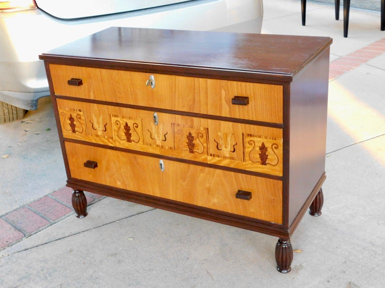 Swedish Art Deco Inlaid Chest of Drawers in Elm, Rosewood and Birch Root, 1930s For Sale 1