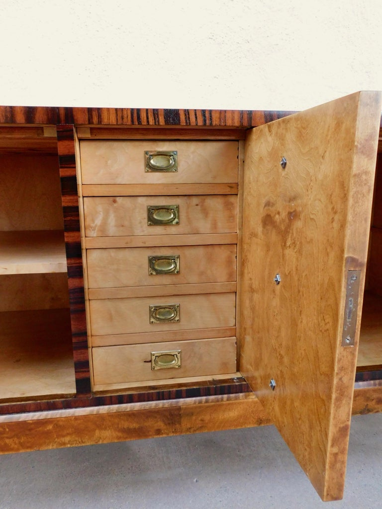 Swedish Art Deco Inlaid Chest of Drawers in Elm, Rosewood and Birch Root, 1930s For Sale 4