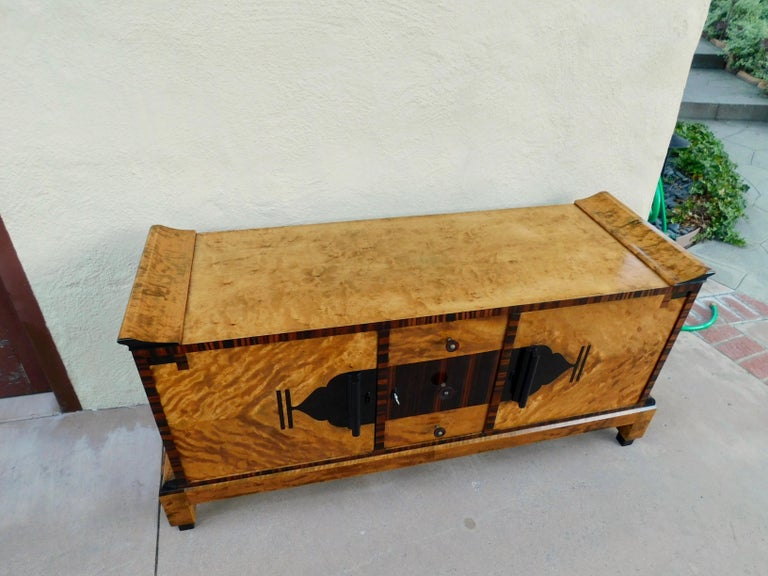 Swedish Art Deco Sizeboard in Golden Flame Birch/Rosewood with Bakelite Handles For Sale 1
