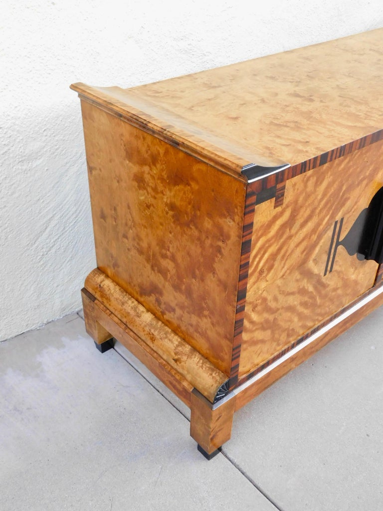 Swedish Art Deco Sizeboard in Golden Flame Birch/Rosewood with Bakelite Handles For Sale 2