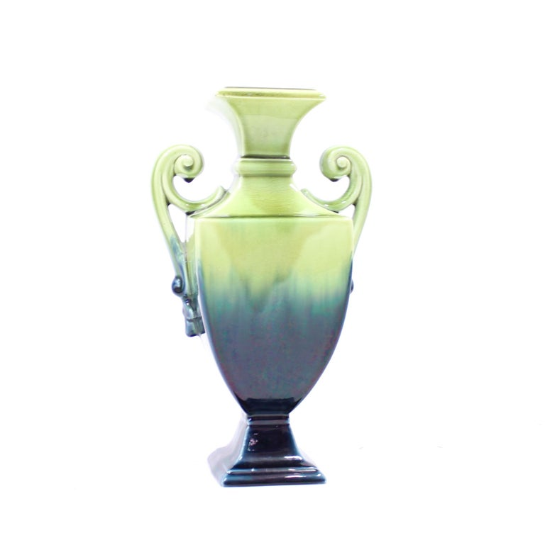Swedish Art Nouveau Creamware Vase from Rörstrand, 1910s In Good Condition For Sale In Uppsala, SE