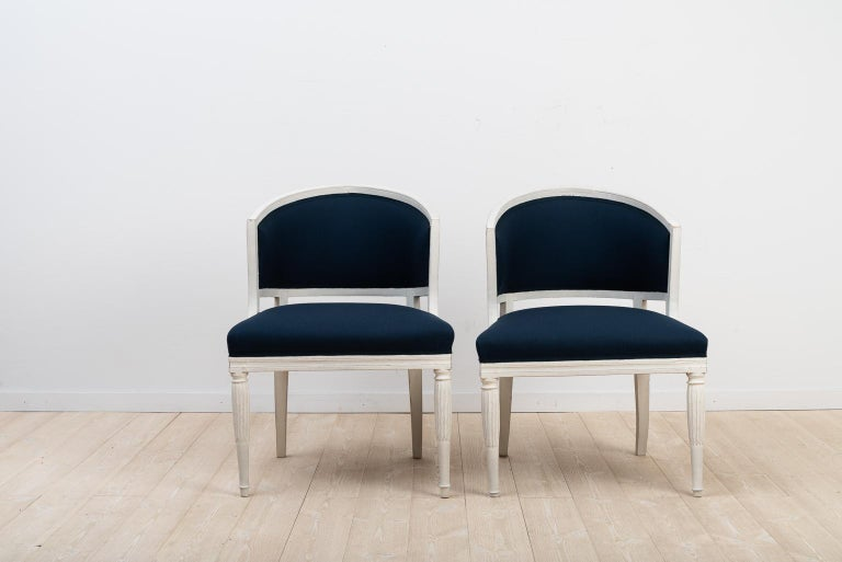 Swedish Barrel Back Chairs from the Early 19th Century In Good Condition For Sale In Kramfors, SE