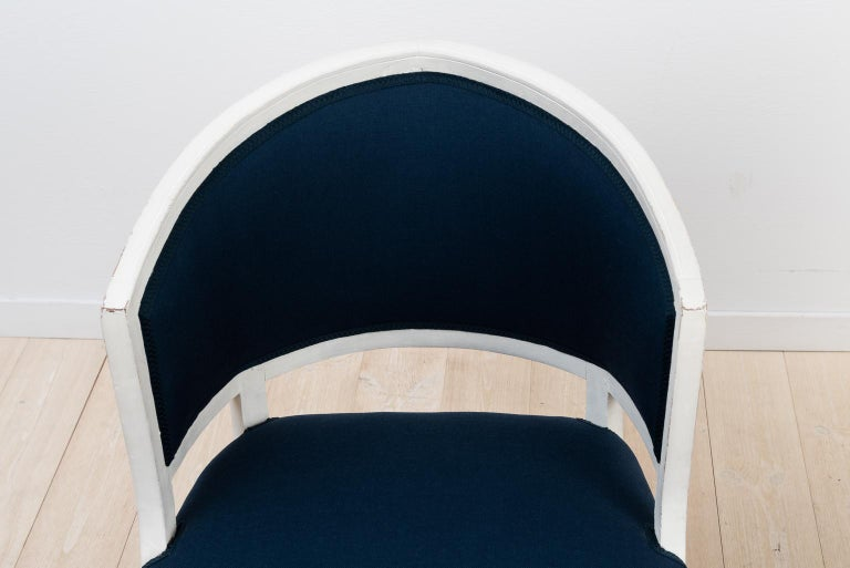 Swedish Barrel Back Chairs from the Early 19th Century For Sale 1