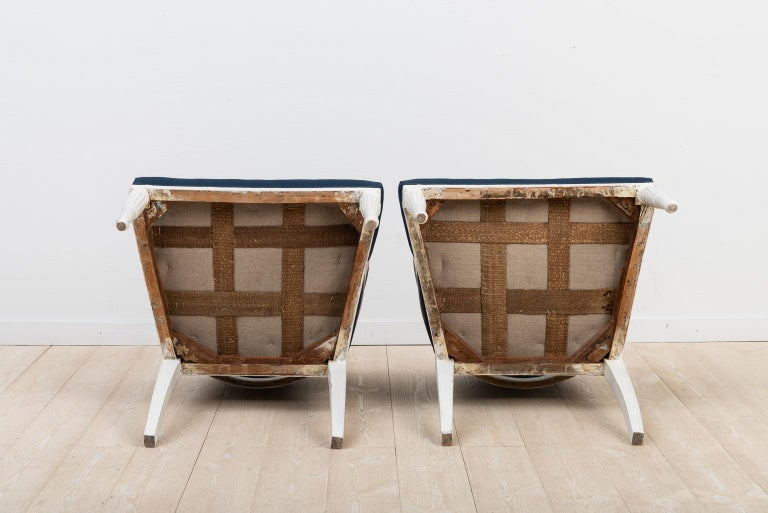 Swedish Barrel Back Chairs from the Early 19th Century For Sale 4