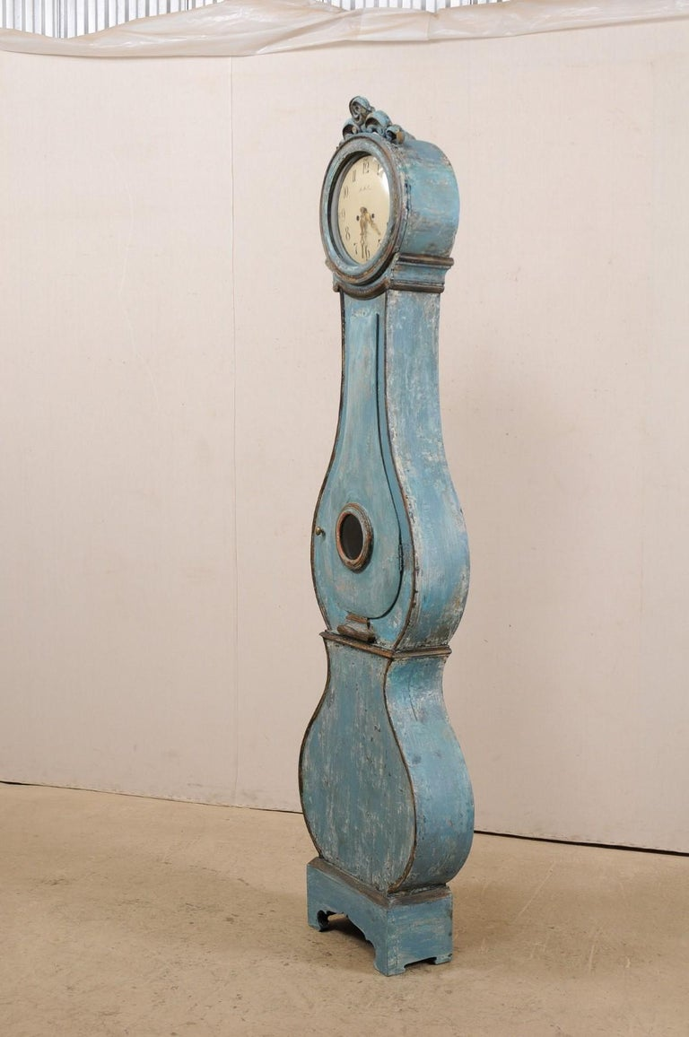 Wood Swedish Beautiful Blue & Curvy-Shaped Fryksdahl Grandfather Clock, 19th Century For Sale