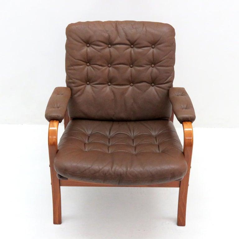 Scandinavian Modern Swedish Bentwood Leather Chairs by Göte Möbler Nässjö For Sale