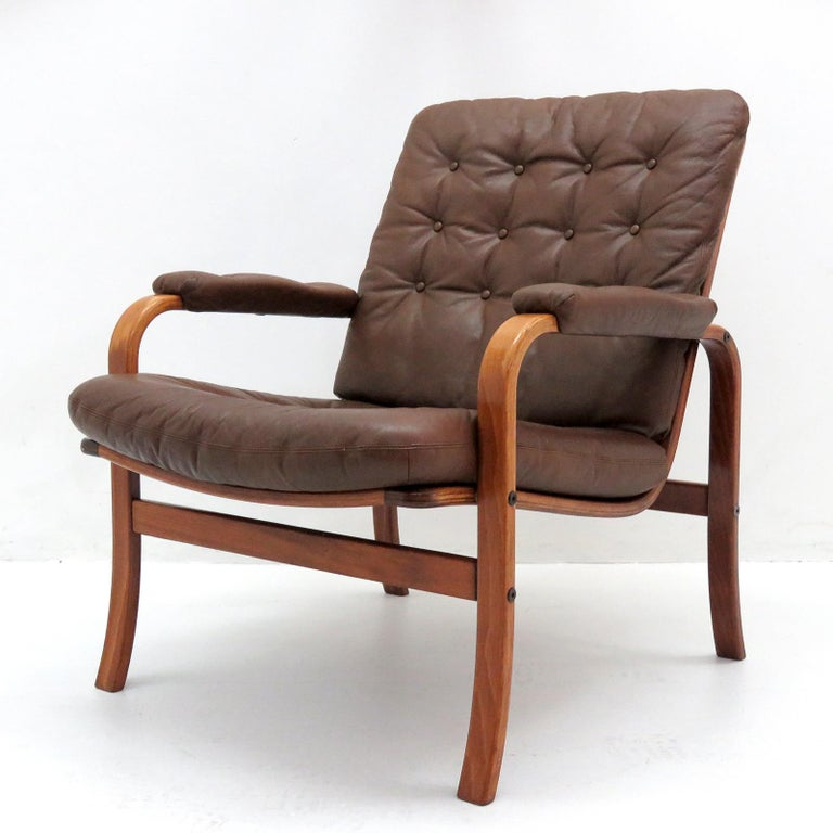 Swedish Bentwood Leather Chairs by Göte Möbler Nässjö In Good Condition For Sale In Los Angeles, CA