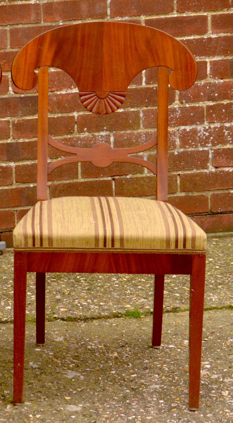 Swedish Biedermeier Dining Chairs 19th Century Set of Six Mixed Wreath Mahogany In Good Condition For Sale In LONDON, GB