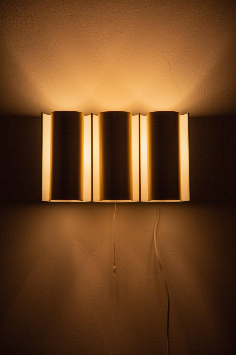 Swedish Brass Wall Lamp in the Style of RAAK For Sale 3