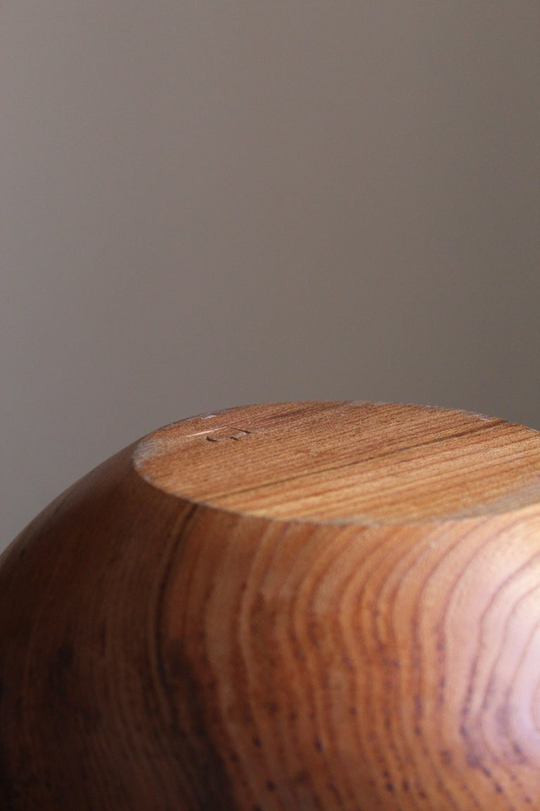 Swedish Craft, Signed Decorative Bowl, Solid Teak, Sweden, 1950s In Good Condition For Sale In West Palm Beach, FL