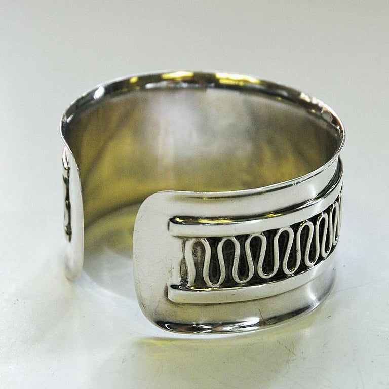 Sterling Silver Swedish Decor Silver Bracelet and Ring Set by Willy Käfling, 1971 For Sale