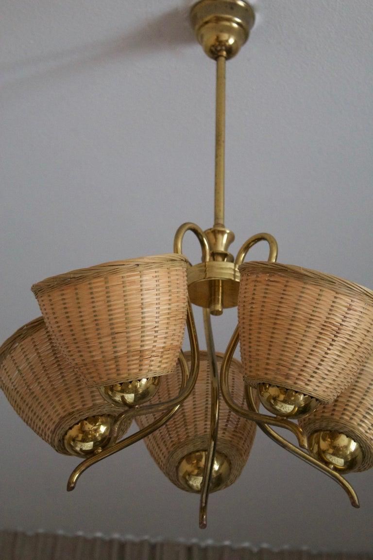 Swedish Designer, Chandelier Light, Brass, Rattan, Sweden, c. 1950s In Good Condition In West Palm Beach, FL