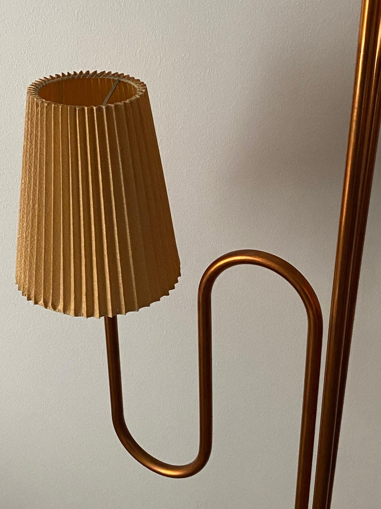 Swedish Designer, Large Organic Modernist Floor Lamp, Copper, Metal Paper 1950s For Sale 5