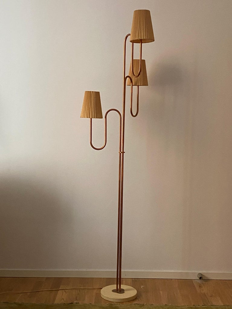 Swedish Designer, Large Organic Modernist Floor Lamp, Copper, Metal Paper 1950s In Good Condition For Sale In West Palm Beach, FL