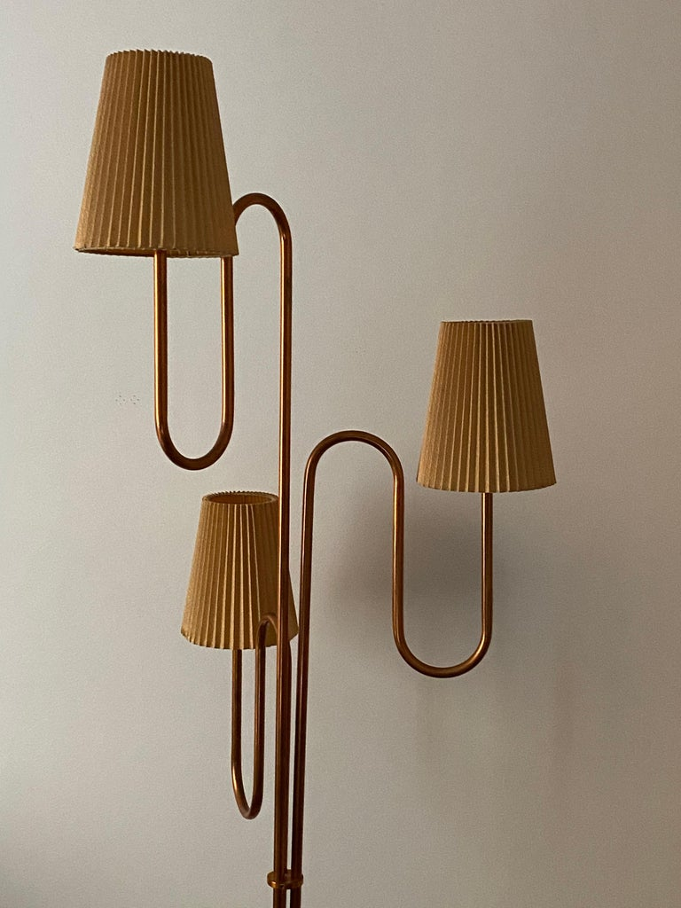 Mid-20th Century Swedish Designer, Large Organic Modernist Floor Lamp, Copper, Metal Paper 1950s For Sale