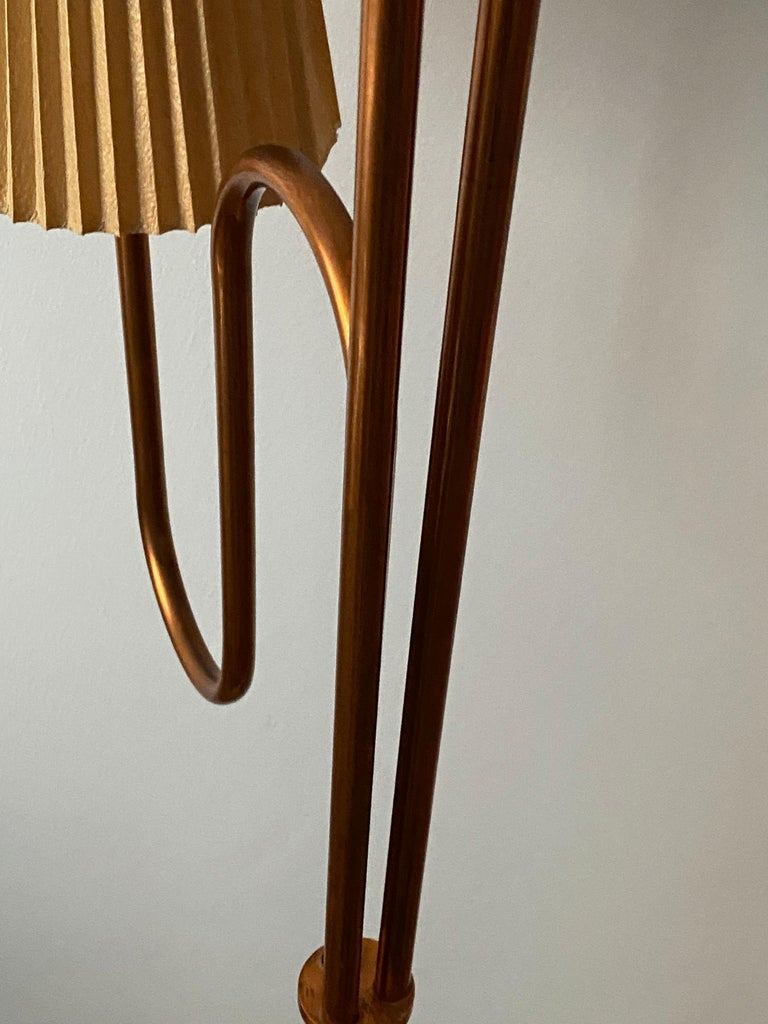 Swedish Designer, Large Organic Modernist Floor Lamp, Copper, Metal Paper 1950s For Sale 1
