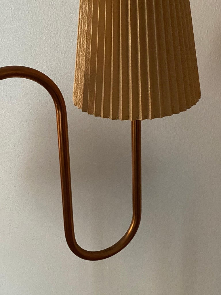 Swedish Designer, Large Organic Modernist Floor Lamp, Copper, Metal Paper 1950s For Sale 4
