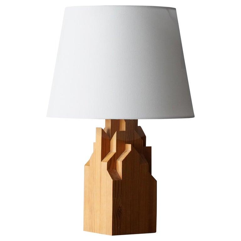 Swedish Designer, Minimalist Table Lamp, Solid Pine, Sweden, 1970s For Sale