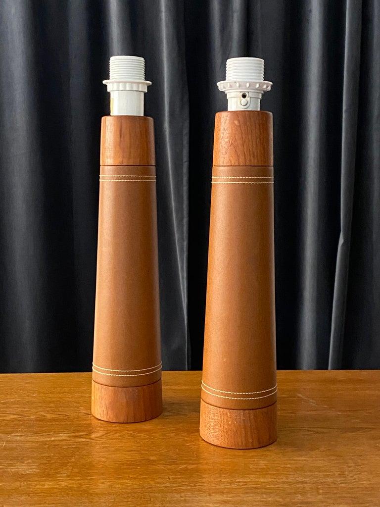 Mid-20th Century Swedish Designer, Minimalist Table Lamps, Solid Teak, Leatherette, Sweden, 1960s For Sale