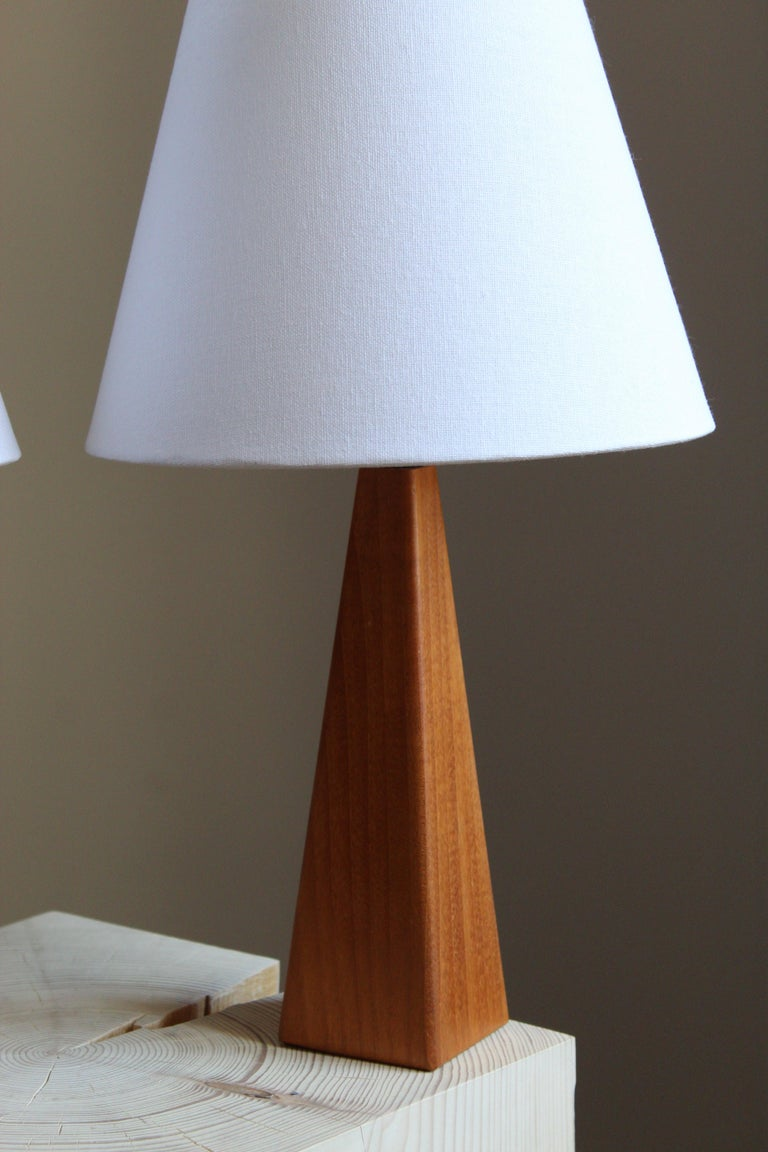 Swedish Designer, Minimalist Table Lamps, Solid Teak, Linen, Sweden, 1960s In Good Condition For Sale In West Palm Beach, FL