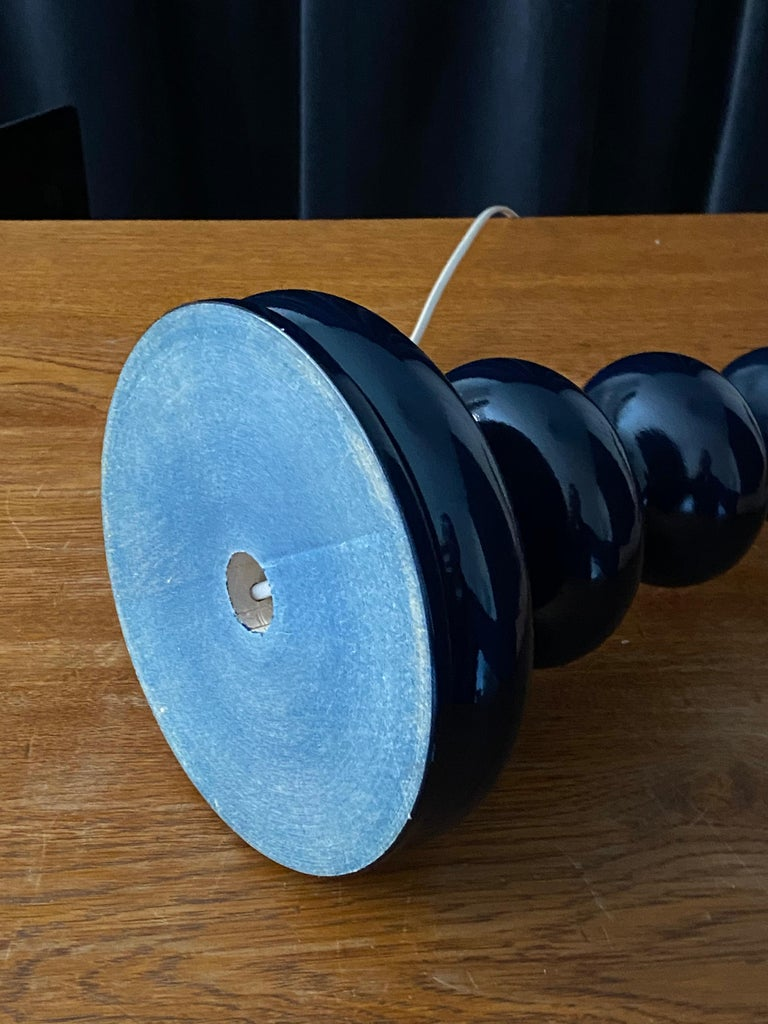 Swedish Designer, Organic Table Lamp, Blue-Lacquered Wood, Sweden, 1960s For Sale 1