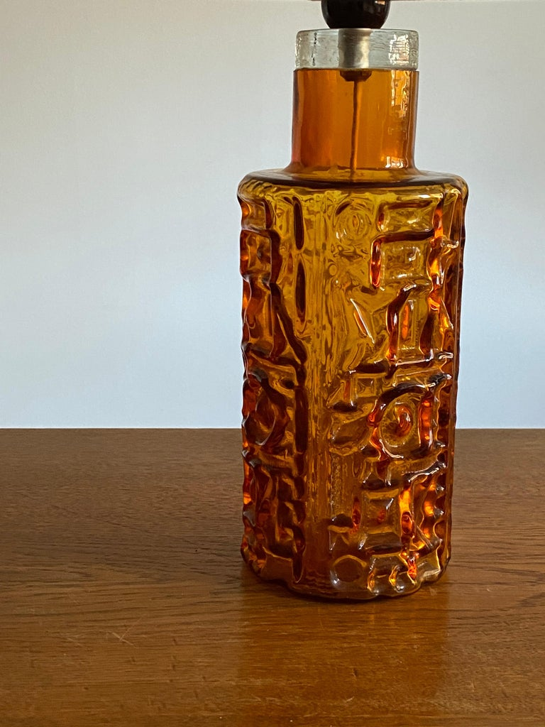 Swedish Designer, Organic Table Lamp, Orange Glass, Sweden, 1950s In Good Condition For Sale In West Palm Beach, FL