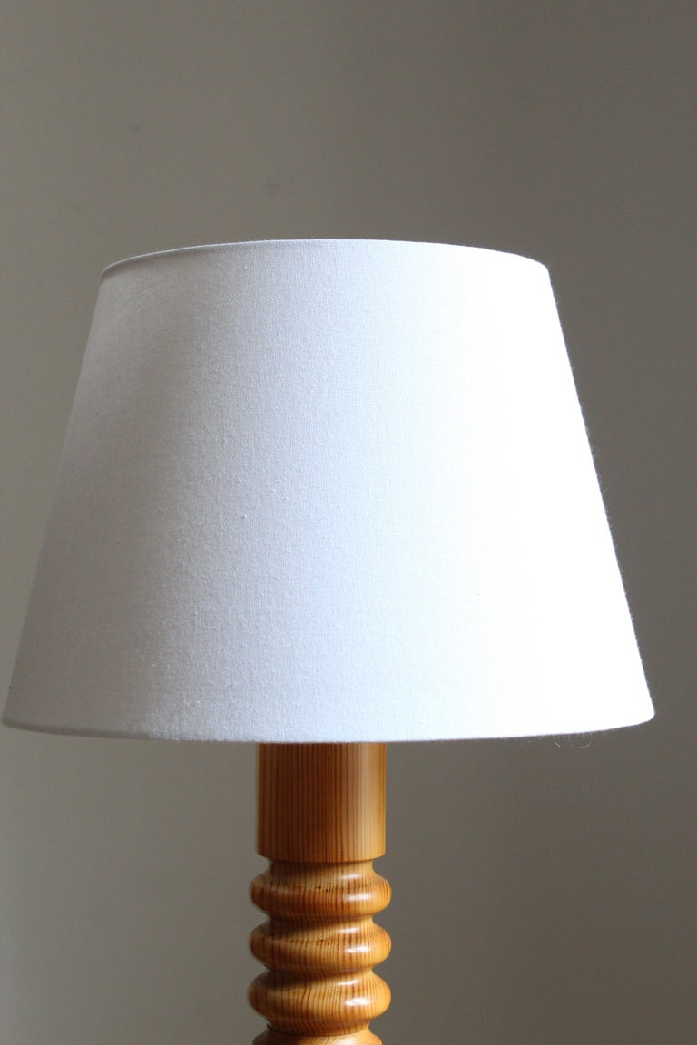Swedish Designer, Organic Table Lamp, Turned Solid Pine, Sweden, Fabric, 1970s In Good Condition For Sale In West Palm Beach, FL