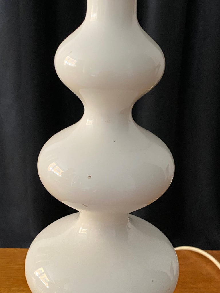 Swedish Designer, Organic Table Lamps, White-Lacquered Wood, Sweden, 1960s For Sale 3