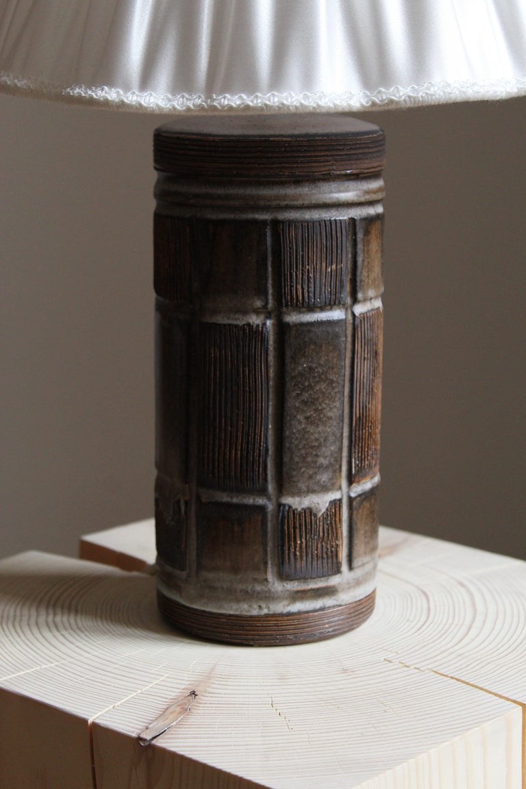 Scandinavian Modern Swedish Designer, Table Lamp, Glazed Stoneware, Sweden, 1950s For Sale