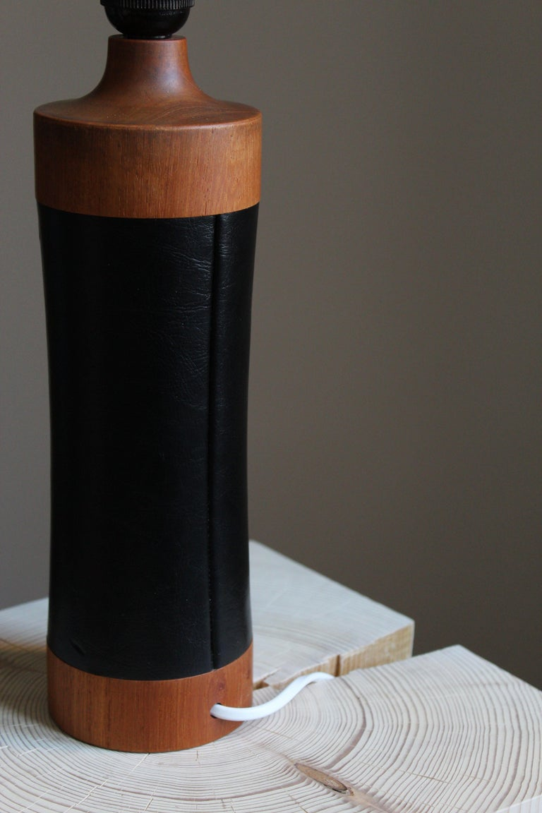 Swedish Designer, Table Lamp, Solid Teak, Vinyl, Fabric, Sweden, 1960s In Good Condition For Sale In West Palm Beach, FL