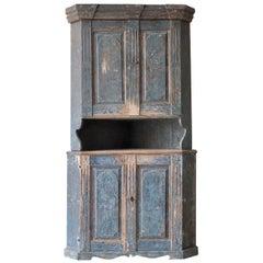 Swedish Early 19th Century Corner Cabinet in Original Paint