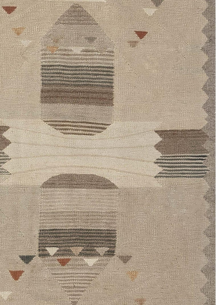 Swedish Flat-Weave Rug In New Condition For Sale In New York, NY