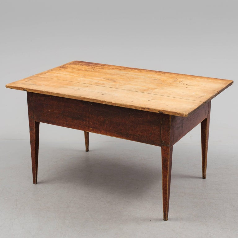 Swedish Folk Art Table, 18th Century In Good Condition For Sale In Madrid, ES