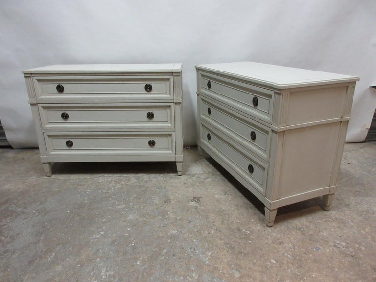 Swedish Gustavian 3 Drawer Chest In Distressed Condition For Sale In Hollywood, FL