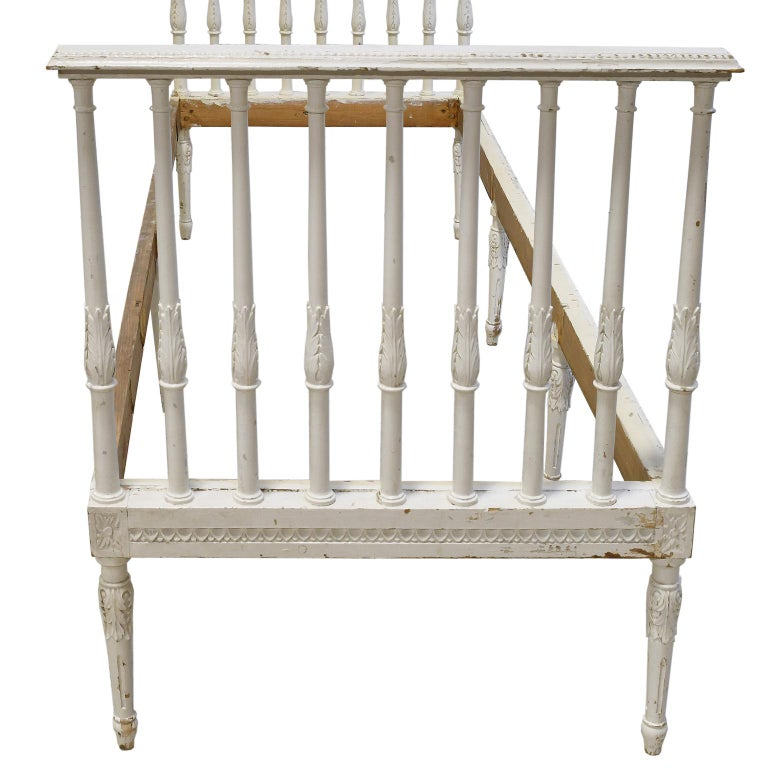 Swedish Gustavian Banquette/Daybed w/ White-Grey Paint & New Upholstery, c 1800  For Sale 4