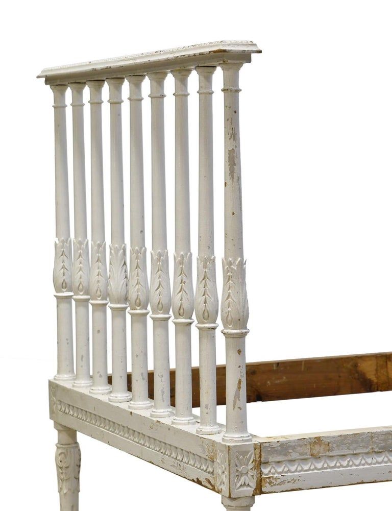 Swedish Gustavian Banquette/Daybed w/ White-Grey Paint & New Upholstery, c 1800  For Sale 6
