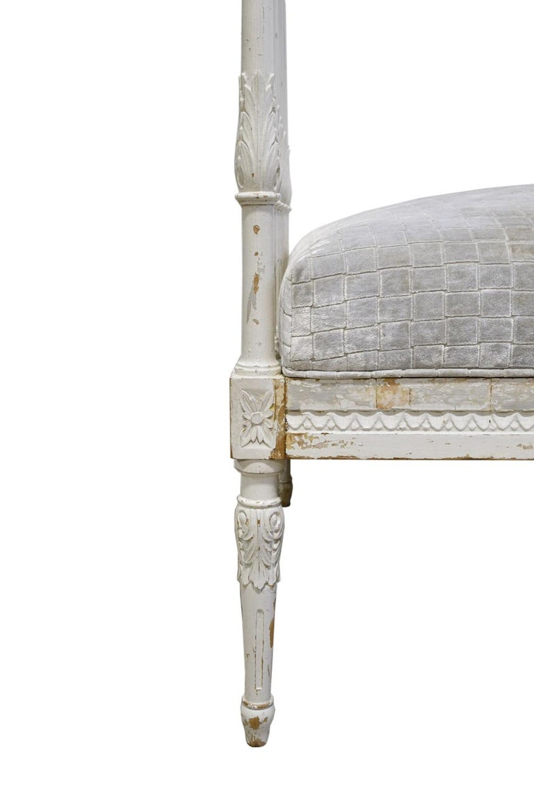 19th Century Swedish Gustavian Banquette/Daybed w/ White-Grey Paint & New Upholstery, c 1800  For Sale
