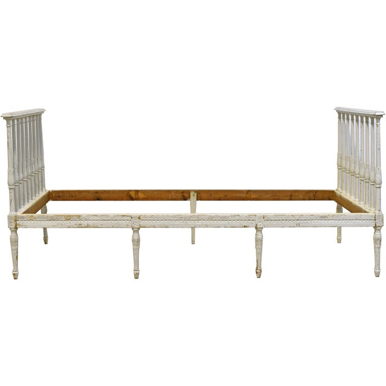 Swedish Gustavian Banquette/Daybed w/ White-Grey Paint & New Upholstery, c 1800  For Sale 1
