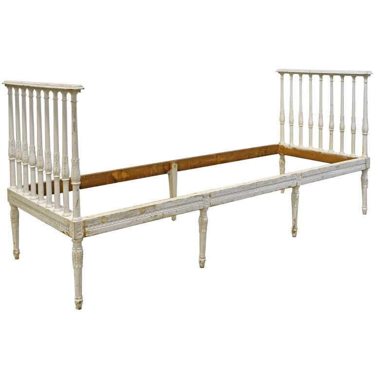 Swedish Gustavian Banquette/Daybed w/ White-Grey Paint & New Upholstery, c 1800  For Sale 2