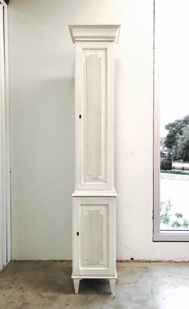 Swedish Gustavian Carved and Painted Narrow Cabinet In Good Condition For Sale In Miami, FL
