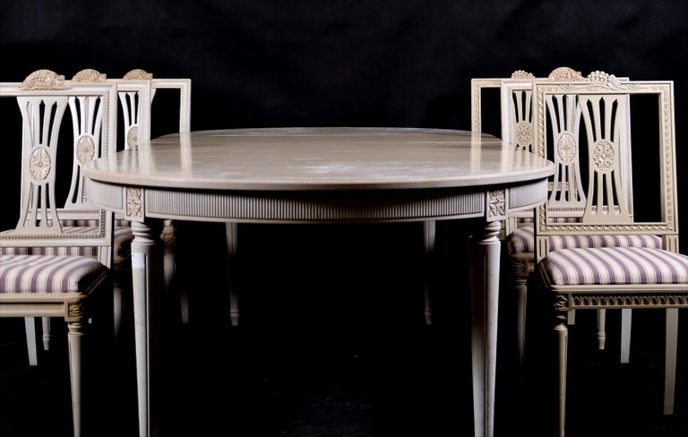 Painted Swedish Gustavian Extendable Dining Table Mid-20th Century 8 10-Seat For Sale