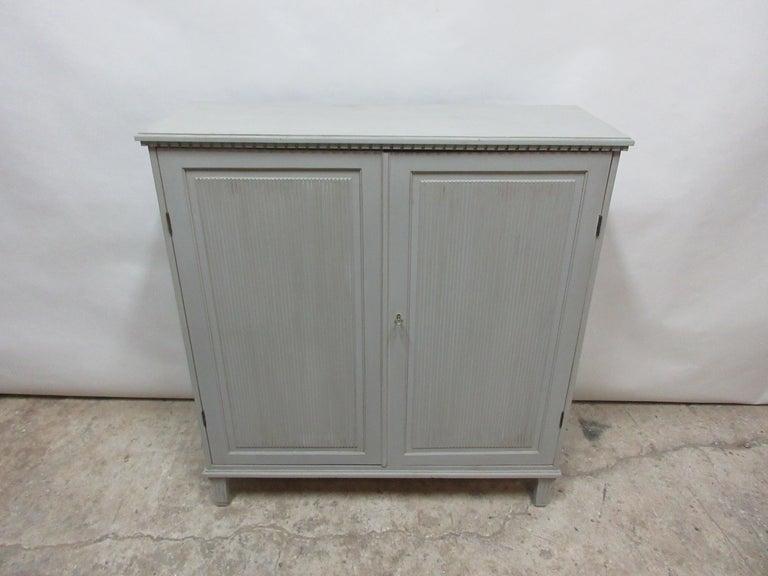 Swedish Gustavian Fluted Door Sideboard In Distressed Condition For Sale In Hollywood, FL