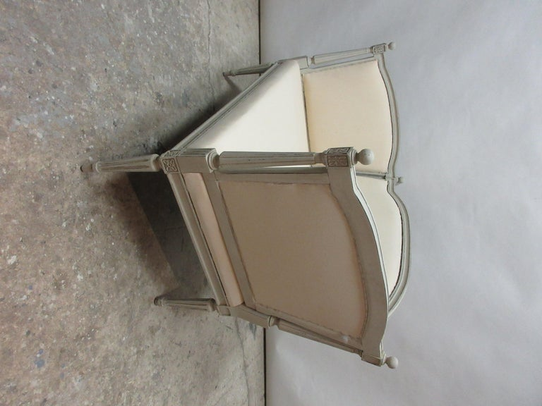 Mid-20th Century Swedish Gustavian Loveseat Sofa For Sale