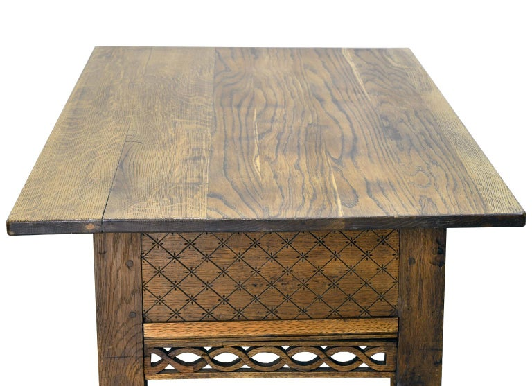 Swedish Gustavian Oak Table with Pierced Fret Work on Apron, circa 1810 In Good Condition For Sale In Miami, FL