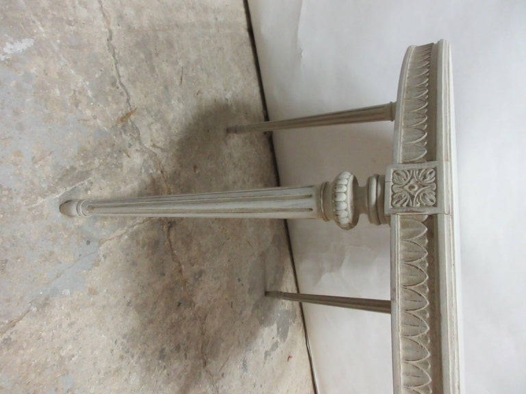 Swedish Gustavian Oval Table In Good Condition For Sale In Hollywood, FL