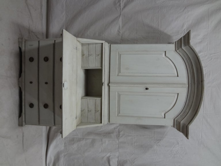 Swedish Gustavian Secretary Hutch In Distressed Condition For Sale In Hollywood, FL