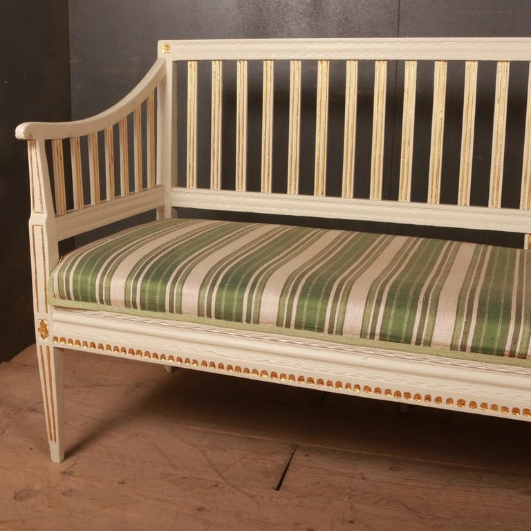 Swedish Gustavian Sofa In Good Condition For Sale In Leamington Spa, Warwickshire