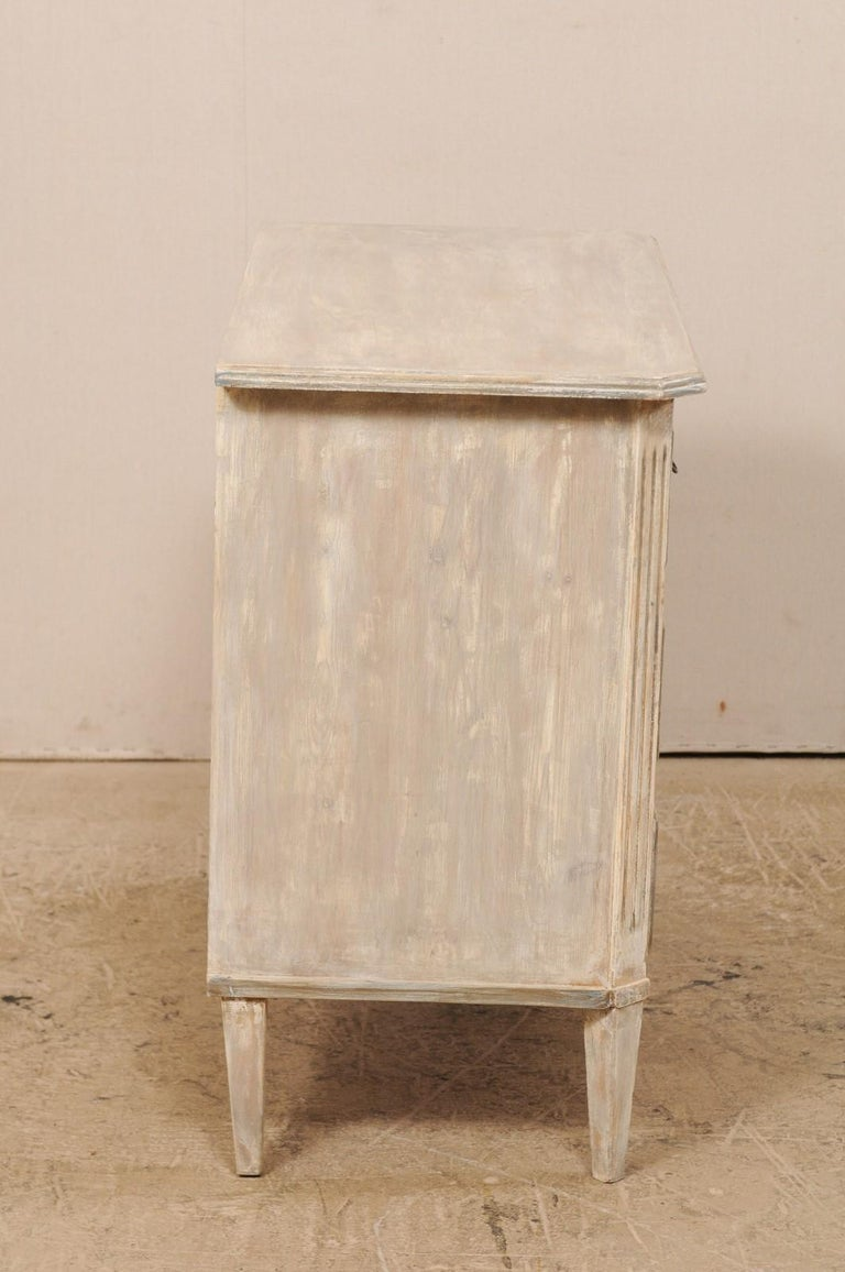 Swedish Gustavian Style Painted Wood Three Drawer Chest in Pale Grey For Sale 4