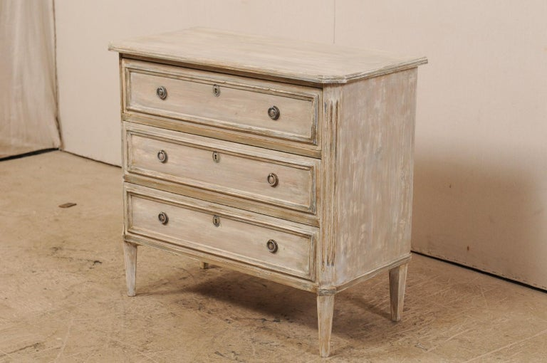 Swedish Gustavian Style Painted Wood Three Drawer Chest in Pale Grey In Good Condition For Sale In Atlanta, GA